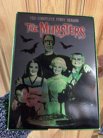 THE MUNSTERS -SEASON ONE - DVD SET