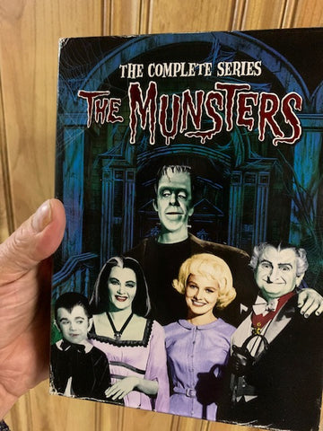 THE MUNSTERS -THE COMPLETE SERIES - DVD SET