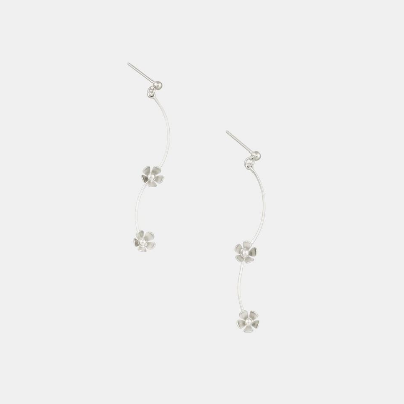 Tiger Tree | Daisy Chain Earrings Silver | Shut the Front Door