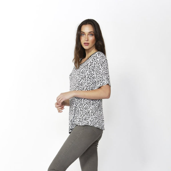 Betty Basics | Los Angeles Leopard Tee White | Shut the Front Door