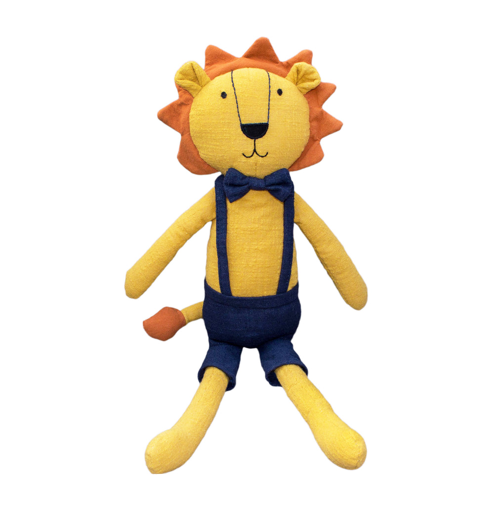 Lily and George | Logan the Lion Toy | Shut the Front Door