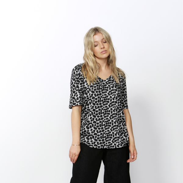 Betty Basics | Messina V-Neck Tee Leopard | Shut the Front Door