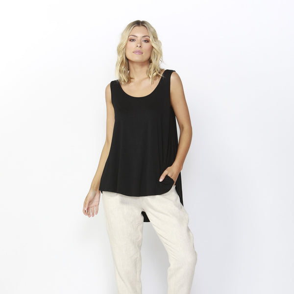 Betty Basics | Boston Tank Black | Shut the Front Door