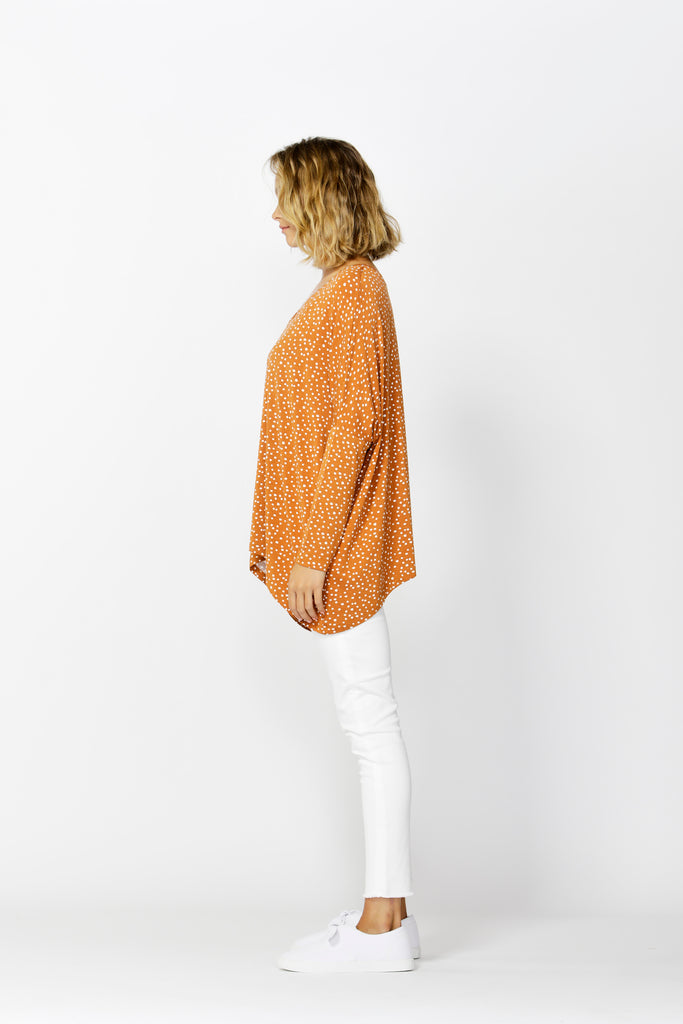 Betty Basics | Geneva V-Neck Top - Clay Bambi Spot | Shut the Front Door