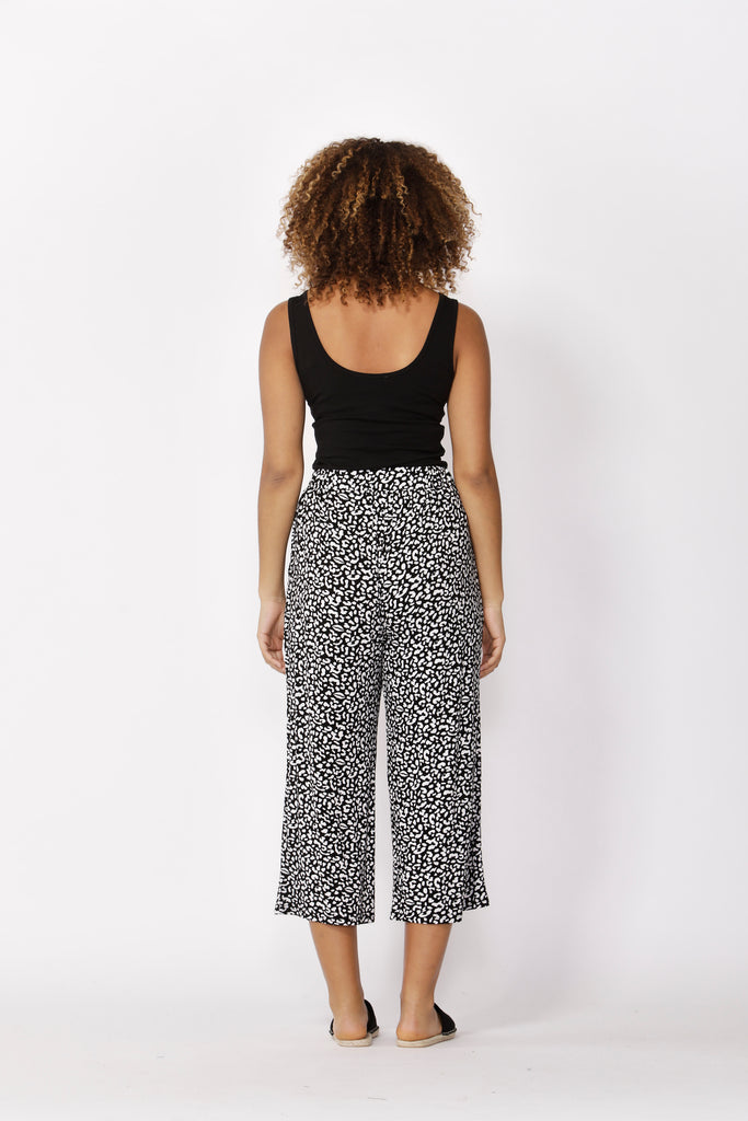 Betty Basics | Dublin Cropped Wide Leg Pant - Brush Print | Shut the Front Door