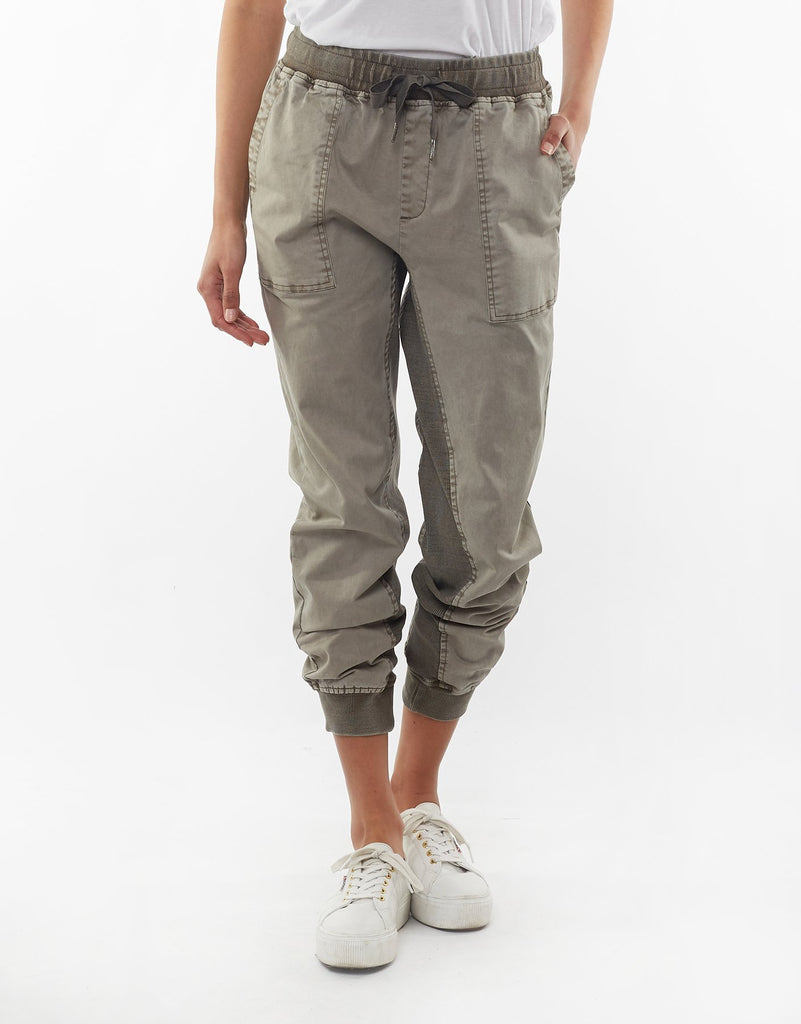 Elm Knitwear | Let it Loose Jogger - Khaki | Shut the Front Door