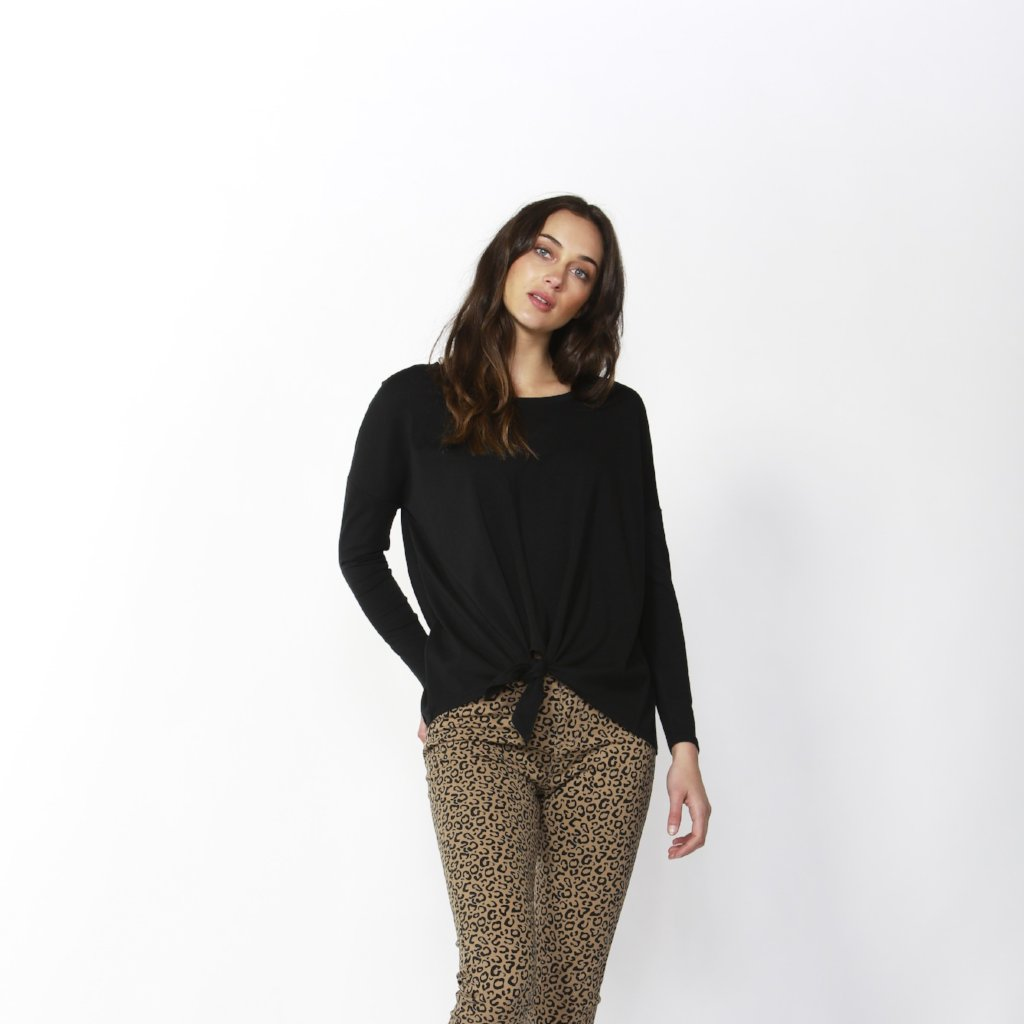 Betty Basics | Willow Knot Top Black | Shut the Front Door