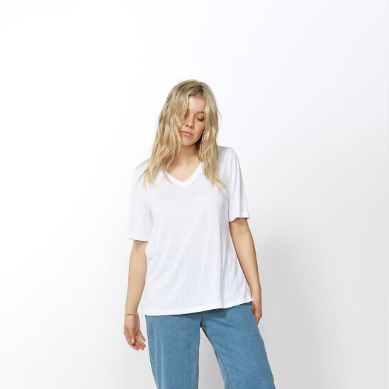 Betty Basics | Messina V-Neck Tee WHITE | Shut the Front Door
