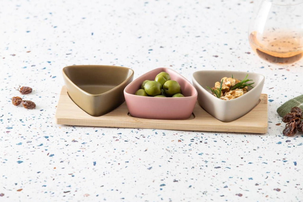 Davis & Waddell | Amora Bowls on Bamboo Tray Set 4 | Shut the Front Door