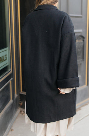 Ave Shops Outerwear Deconstructed Oversized Trench Coat in Classic Black