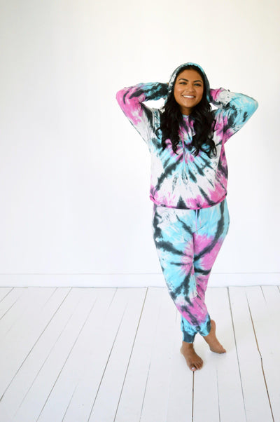Hazel Blues Bottoms Black Tie Dye Top