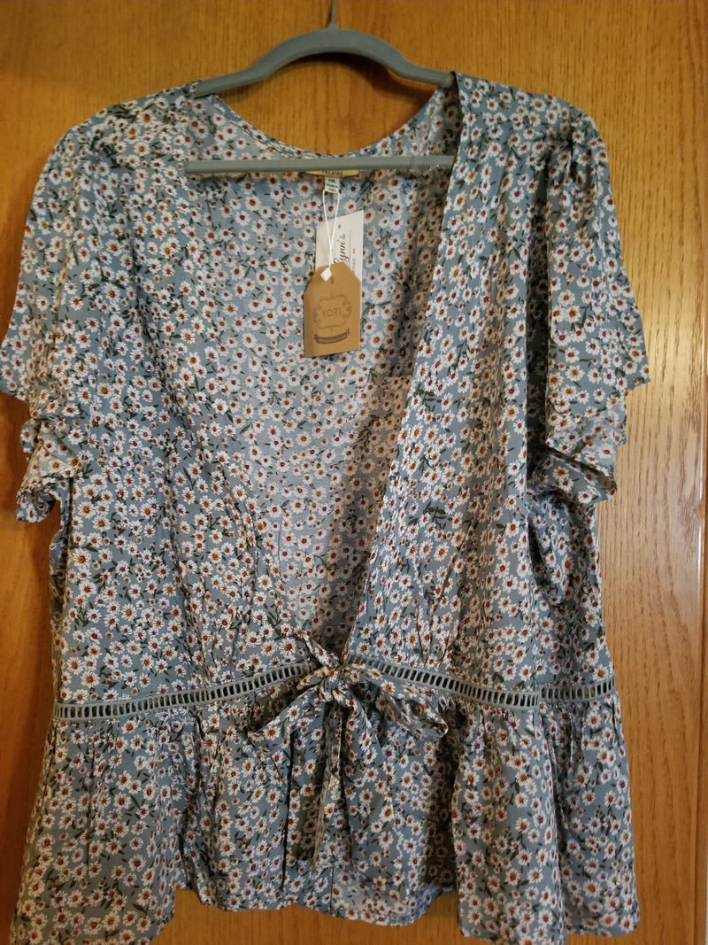 Leslie 2XL PRE-LOVED Floral Layering Top