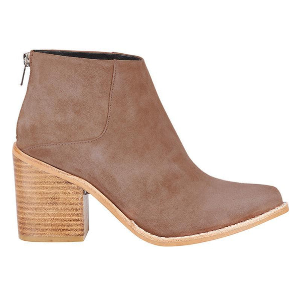 Leo Boot- Tan Suede
