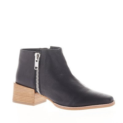 Louis Boot- Black