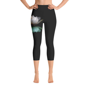 White Lotus Capri Leggings