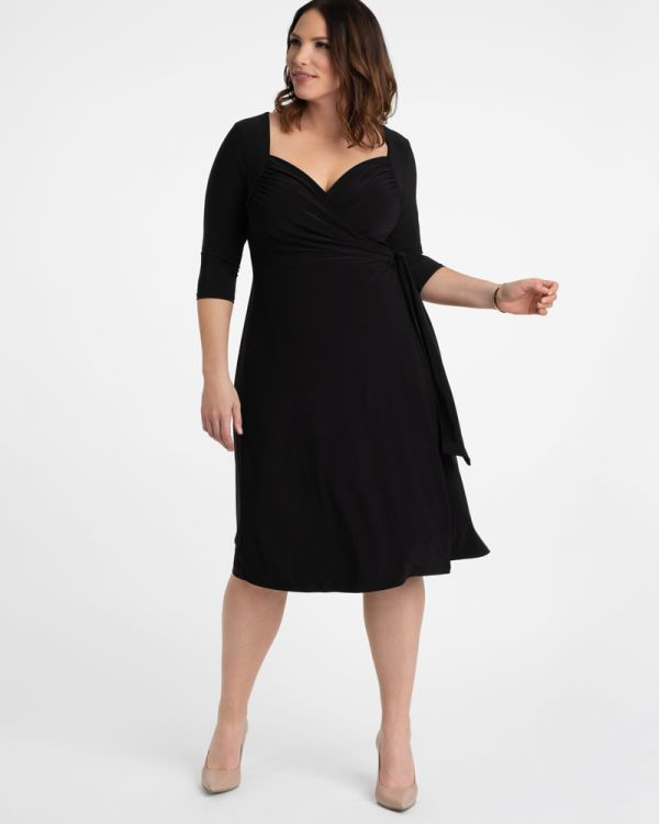 Sweetheart Knit Wrap Dress in Black