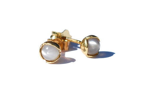 06. Small Bud Floret Stud Earrings Moonstone