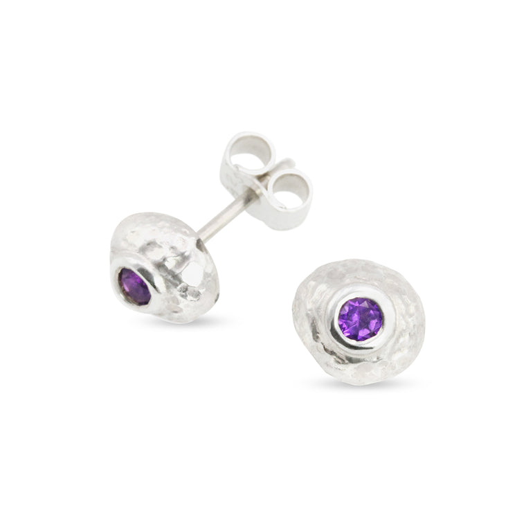 Duco stud earring in sterling silver set with 3mm amethyst small
