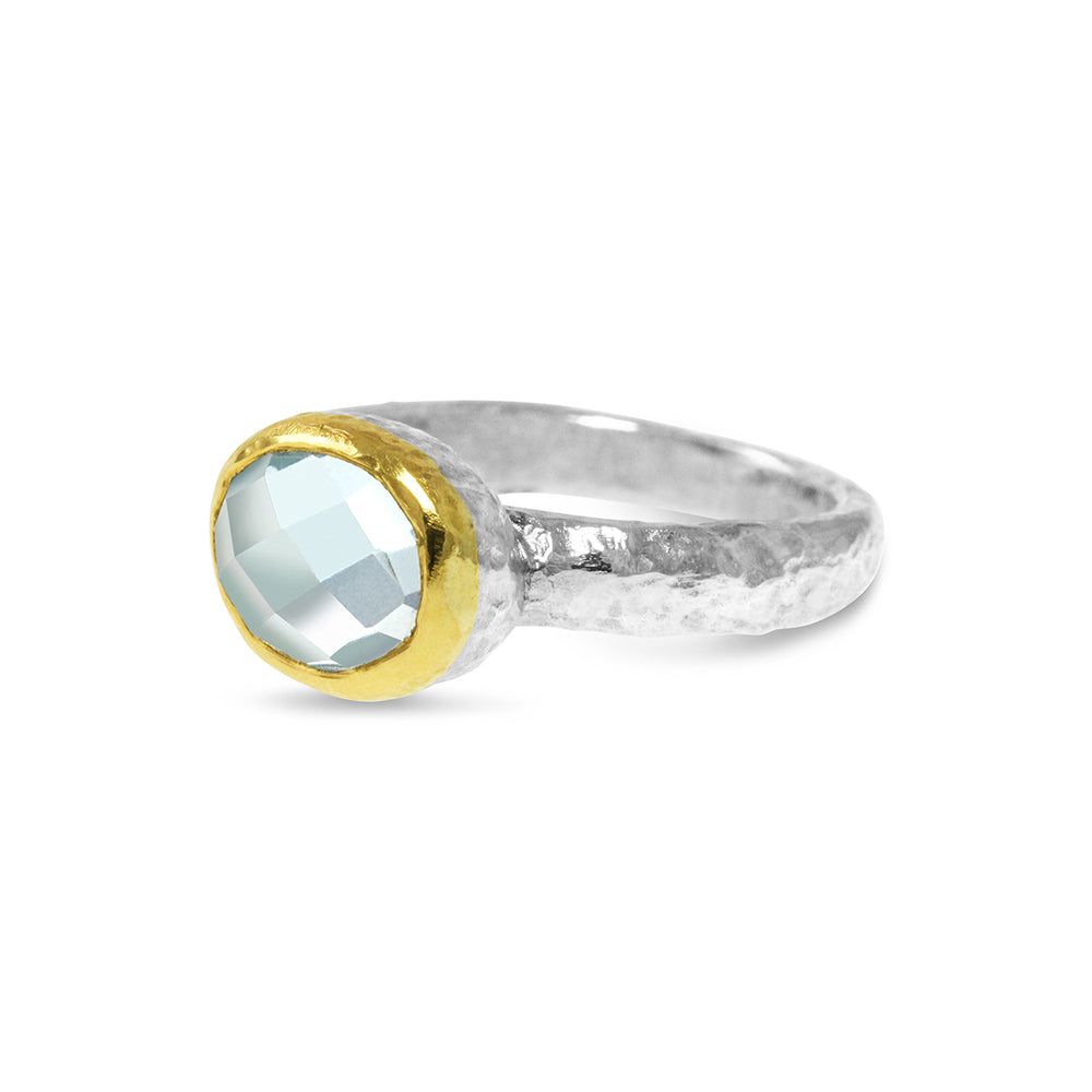 Ring silver gold setting with set with blue topaz gemstone. - Paul Magen