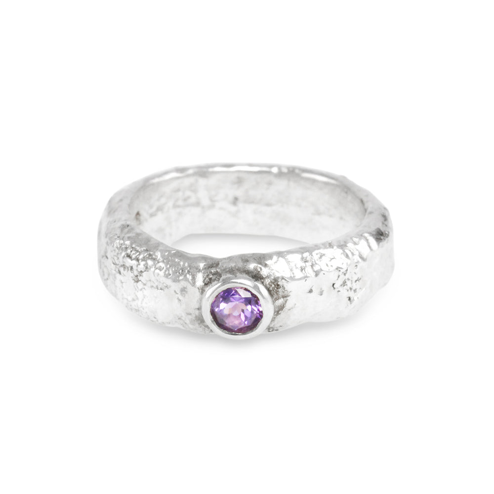 Ring made in silver ring set with amethyst gemstone. - Paul Magen