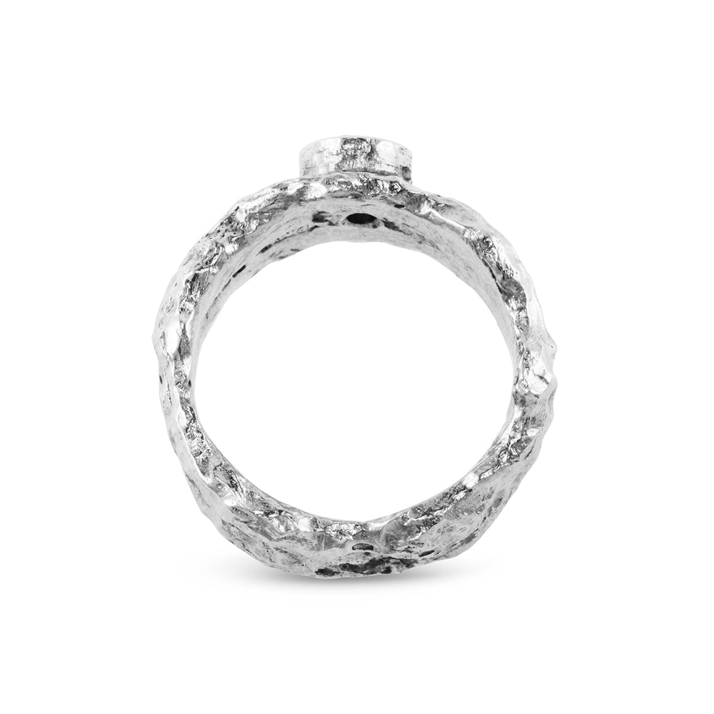 Ring in silver set with white cubic zirconia. - Paul Magen