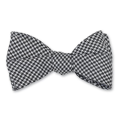 Ho Ho Hole In One Bow Tie in Green by Bird Dog Bay