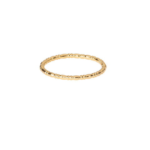 Equine Single Band ring in gold.