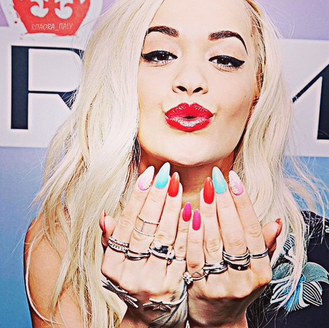 Rita Ora wears the Double Protective Circle ring in silver.