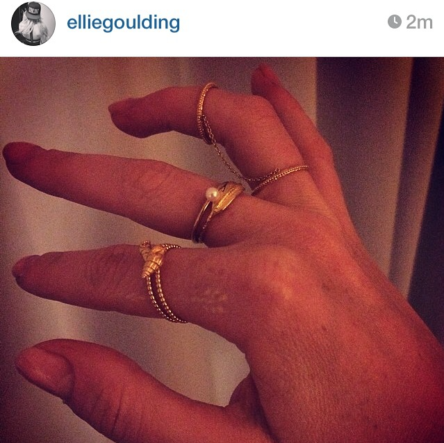 Ellie Goulding wearing the Sound Of The Sea Shell ring in gold.