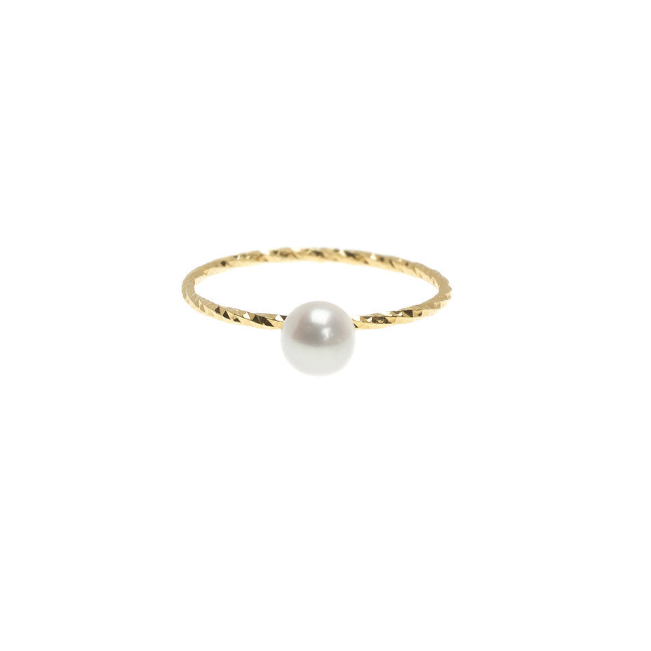 Large Lunar Pearl Sparkling Band ring in gold, featuring a large Akoya pearl.