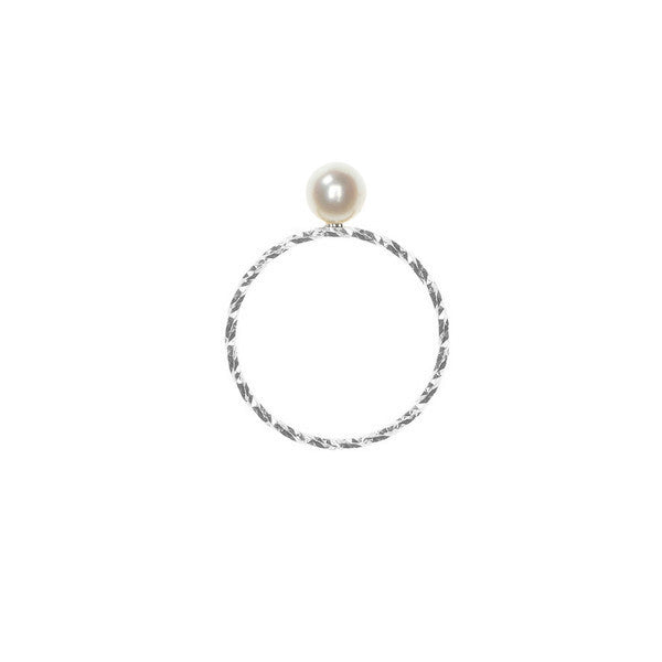 Large Lunar Pearl Sparkling Band ring in silver, featuring a large Akoya pearl. Side view.