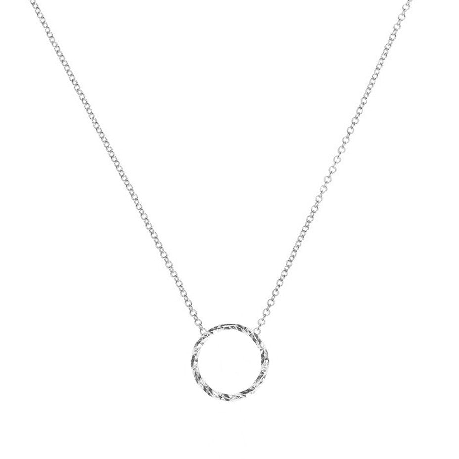Protective Circle necklace in silver.