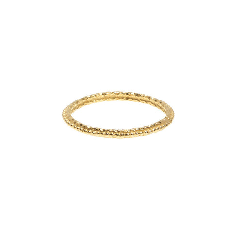 Strength ring in gold.