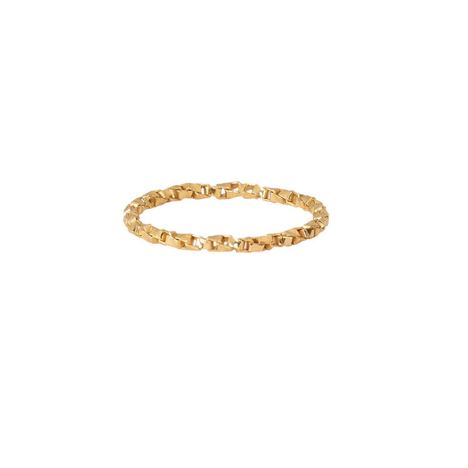 Chain Reaction ring in gold, featuring our intricate twisted chain band.