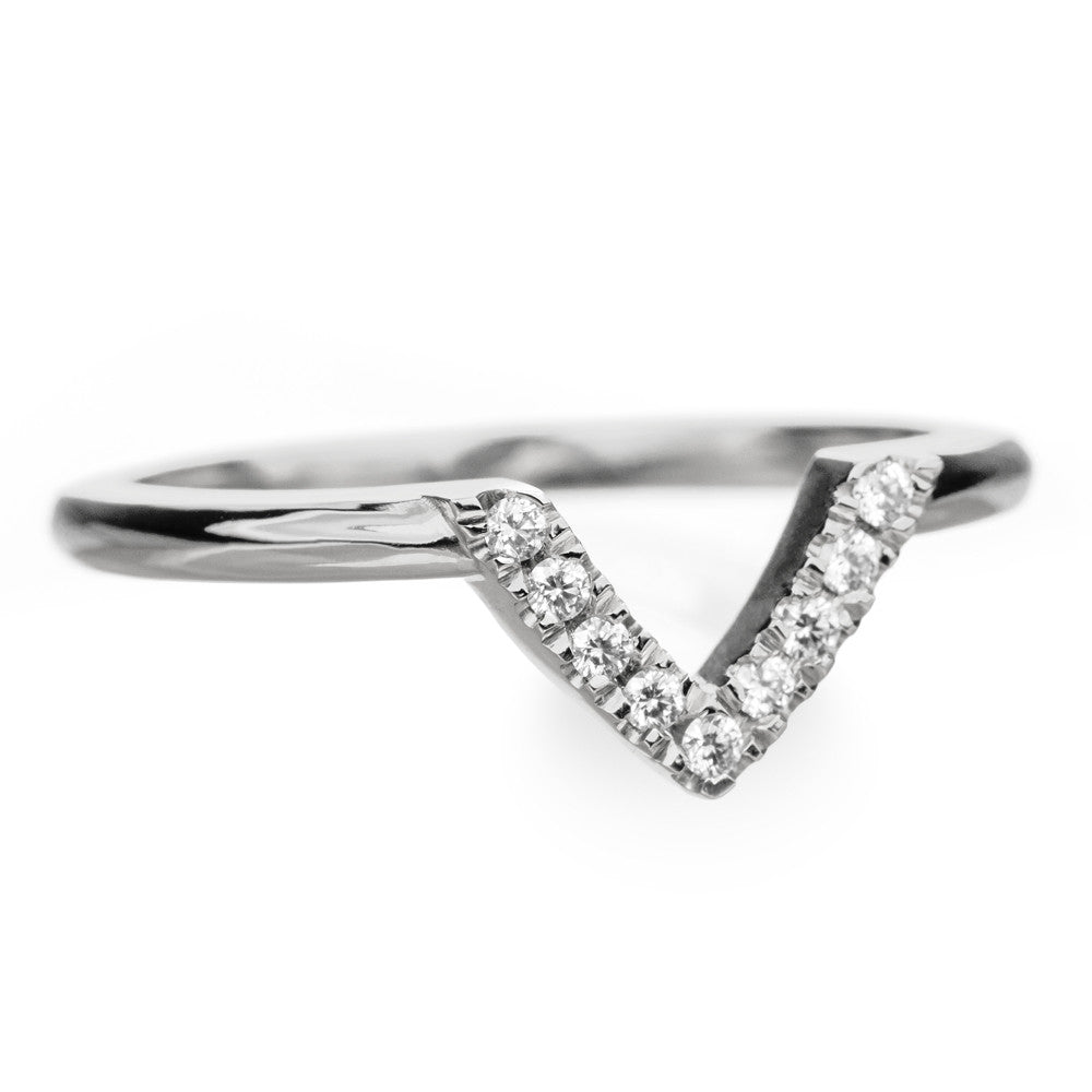 14k White Gold Diamond Chevron Band No. 01 - Point No Point Studio - 2