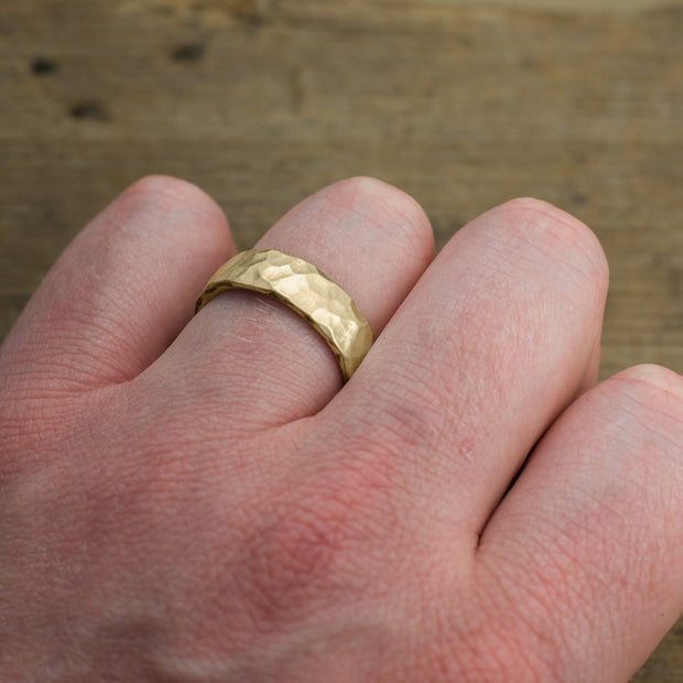 6mm 14k Yellow Gold Mens Wedding Band, Hammered Matte - Point No Point Studio - 4