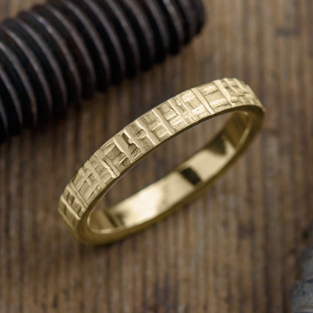 4mm 14k Yellow Gold Mens Wedding Band, Textured Matte - Point No Point Studio - 1