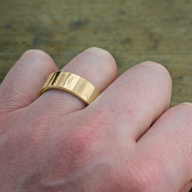 8mm 14k Yellow Gold Mens Wedding Ring, Polished - Point No Point Studio - 4