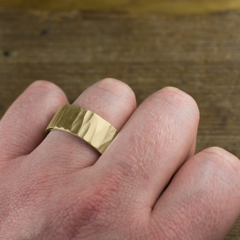 10mm 14k Yellow Gold Mens Wedding Band, Wood Grain Matte - Point No Point Studio - 4