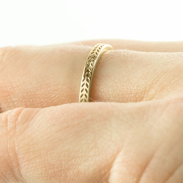 Eco Friendly Chevron Wedding Band, 14K Yellow Gold - Point No Point Studio - 4