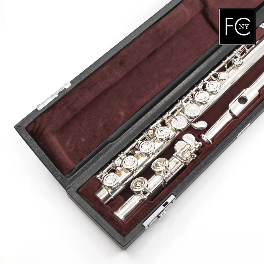 Yamaha Intermediate Flute Model 322 (New)