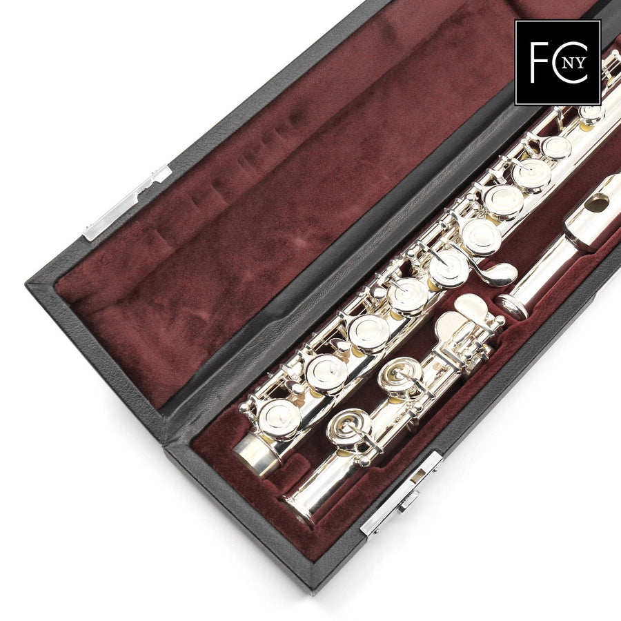 Yamaha Intermediate Flute Model 422 (New)