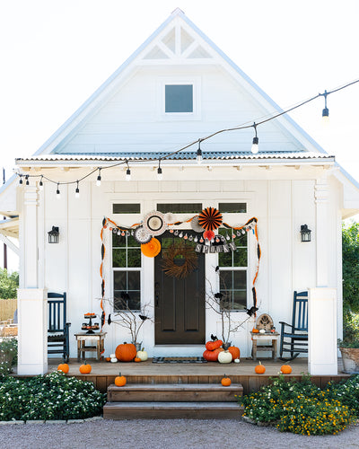 Create a drop dead gorgeous porch this Halloween!
