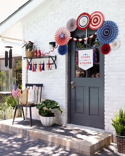 Let Your Patriotism Shine With a Few Easy Decorating Tips
