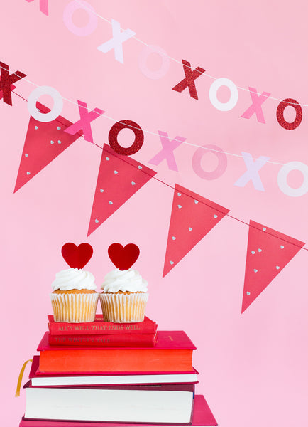 Valentine XOXO & Pennant Banner Set Display Idea