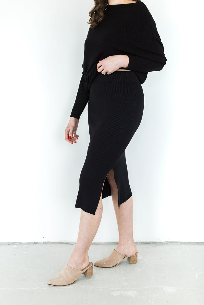 Ribbed Knit Midi Skirt - Black