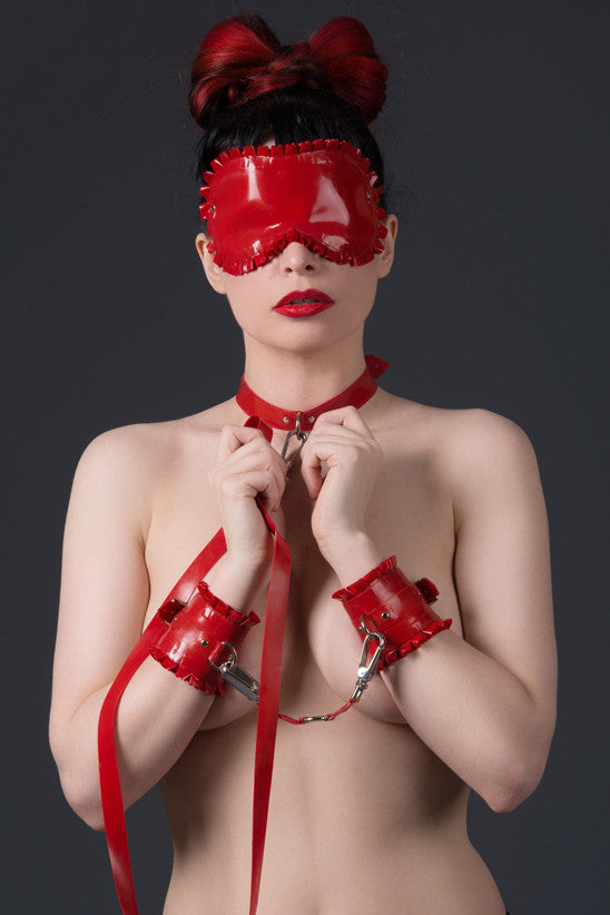 Naughty or Nice Ruffled Latex GIFT SET
