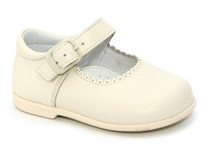 Patucos Infant leather Beige Shoes for Girls