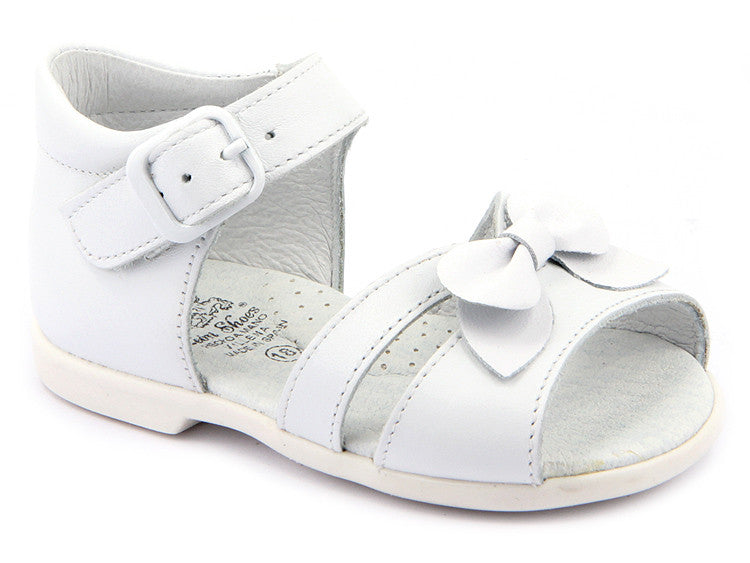 Infant and grow up Girls White leather Sandals Patucos Shoes