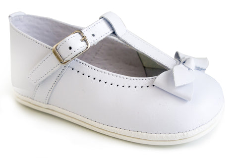 Patucos Infant Classic Leather White Shoes with lace for Girls